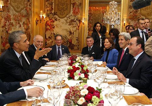 巴黎氣候大會 奧巴馬與奧朗德聚餐談笑風生