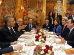 巴黎气候大会 奥巴马与奥朗德聚餐谈笑风生